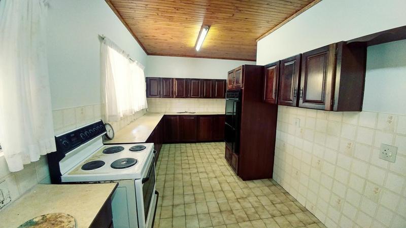 Property For Rent in Garsfontein, Pretoria 16