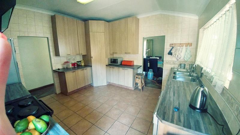 Property For Rent in Sinoville, Pretoria 5