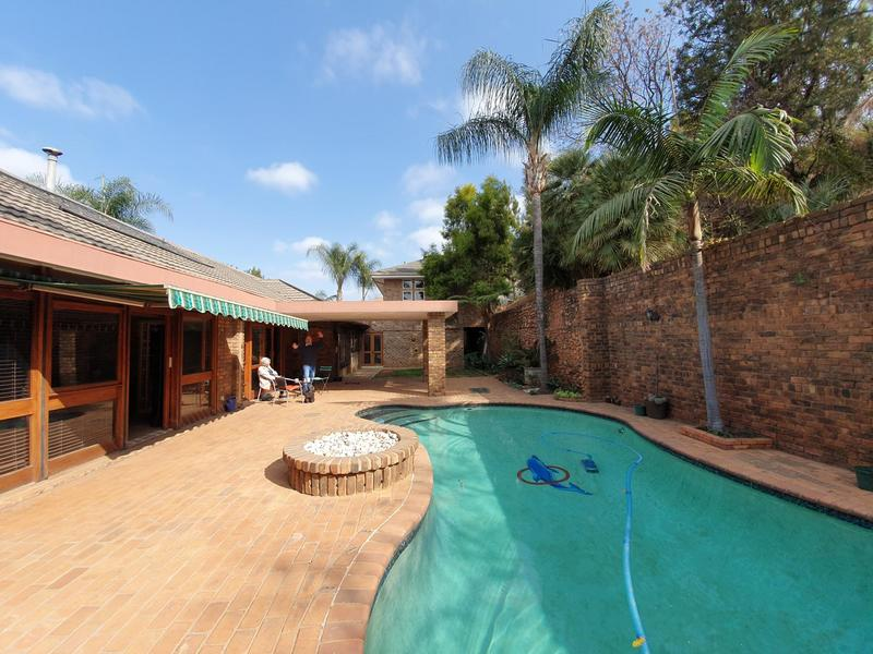 Property For Rent in Waverley, Pretoria 8