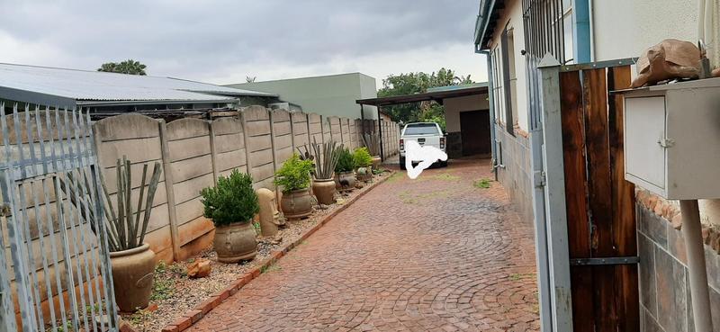 Property For Sale in Mountain View, Pretoria 17