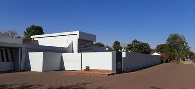 Property For Rent in Val De Grace, Pretoria